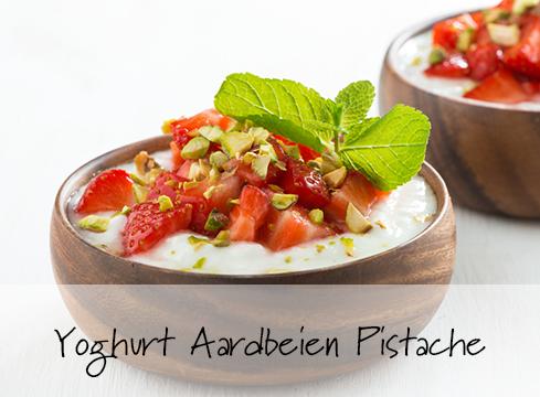 Yoghurt Aardbei Pistachenootjes